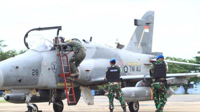 FOTO: Detik-detik TNI AU Turunkan Paksa 1 Unit Pesawat Tempur Asing di Lanud Supadio saat Simulasi - simulasi2.jpg