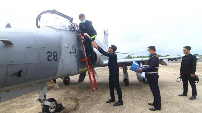 FOTO: Detik-detik TNI AU Turunkan Paksa 1 Unit Pesawat Tempur Asing di Lanud Supadio saat Simulasi - simulasi6.jpg