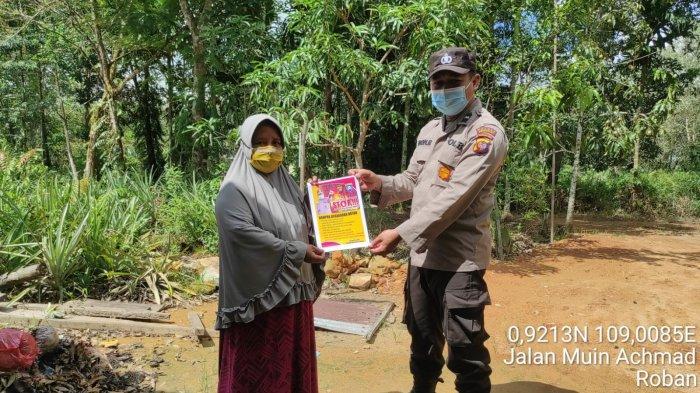 Personel Polsek Singkawang Tengah Gencar Sampaikan Imbauan Stop Karhutla pada Warga