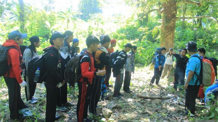 Sispala Gersisma MAN 1 Ketapang Bertemu Orangutan Di Gunung Palung