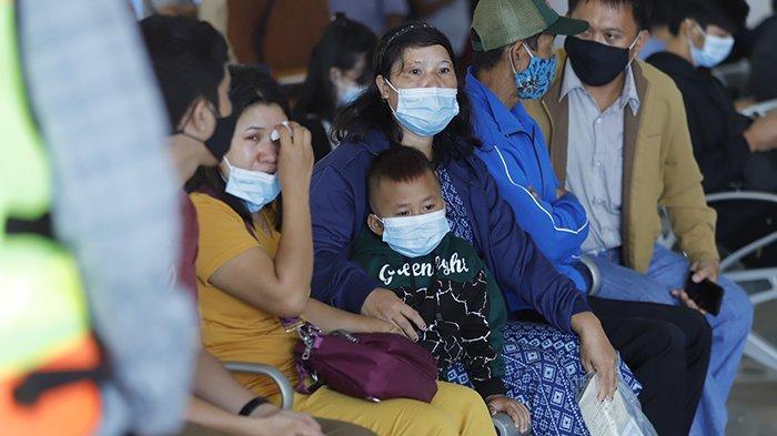 TRAGEDI Sriwijaya Air SJ 182 Rute Jakarta-Pontianak - Duka Mendalam, Penantian Keluarga dan Tangis