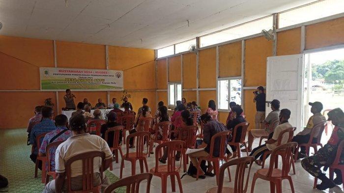 Hadiri Musyawarah Desa Sungai Antu Kapuas Hulu, Kapolsek Puring Kencana Berikan Imbauan
