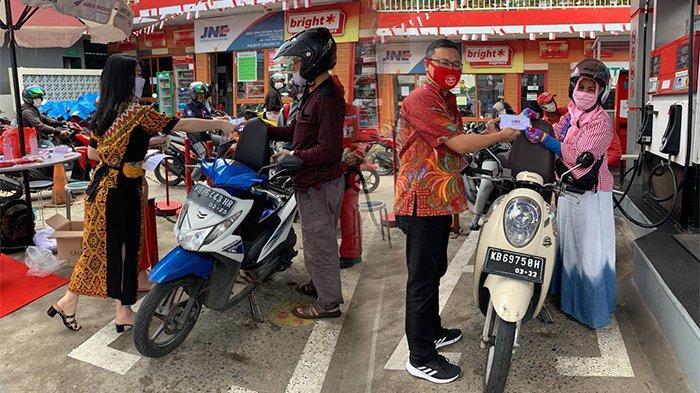 Honda Kalbar Rayakan Hari Pelanggan Nasional 2020, Hadiahi Sepeda ke Konsumen Hingga Bagikan Masker