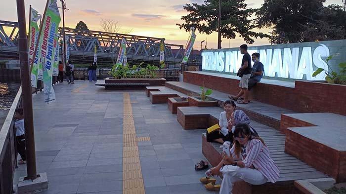 Penampakan Sunset, Teras Parit Nanas Menjadi Wisata Favorit Tidak Perlu Ke Luar Kota