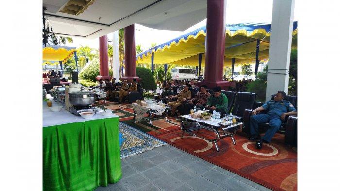 Edi Kamtono dan Bahasan Hadiri Halal Bi Halal di DPRD Pontianak