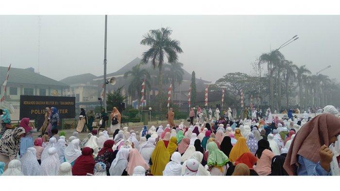 Pemkot Serahkan 30 Ekor Sapi dan 3 Ekor Kambing ke Masjid dan Pesantren di Pontianak