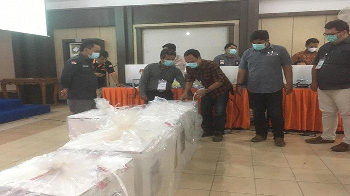 Hasil Pleno KPU, Darwis - Rizal Unggul Tak Lebih 10 Ribu dari Martinus - dr. Carlos