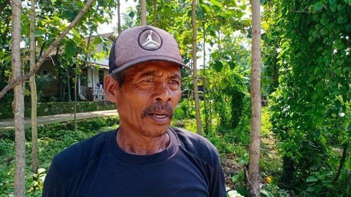 KISAH Suripto Penggali Makam Mendiang Sudjiatmi Notomihardjo, Ibunda Presiden Jokowi