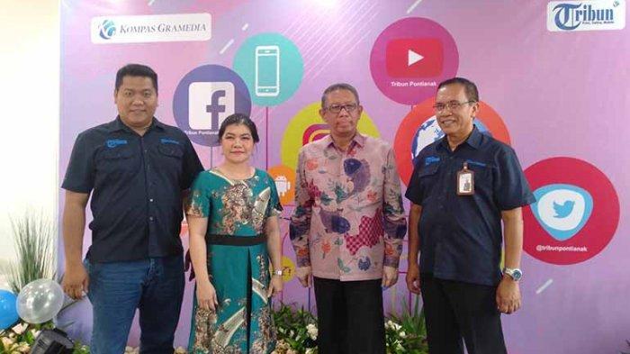 Beri Ucapan Selamat HUT ke-11, Gubernur Sutarmijdi Sambangi Tribun Pontianak