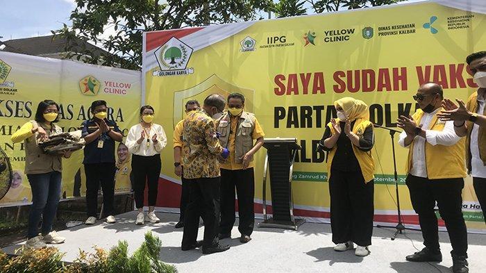 Launching Yellow Klinic, DPD Golkar Kalbar Juga Sekaligus Adakan Vaksinasi
