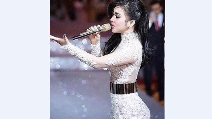 Syahrini Permasalahkan Istilah 'Syantik' dalam Lagu 'Lagi Syantik', Jawaban Siti Badriah Menohok