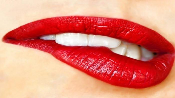 Tanpa Lipstik! Cara Membuat Bibir Merah Merona dengan Bahan Alami, Efektif dan Mudah Dicoba