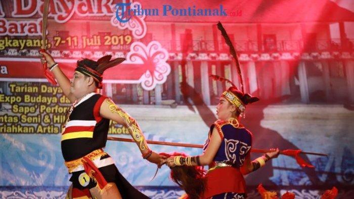FOTO: Lomba Tari Dayak Kreasi dalam Festival Budaya Dayak ke-1 Kalimantan Barat di Bengkayang - tari-dayak-kreasi-dalam-festival-budaya-dayak-ke-1-5.jpg