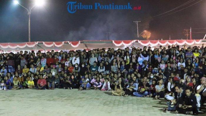 FOTO: Lomba Tari Dayak Kreasi dalam Festival Budaya Dayak ke-1 Kalimantan Barat di Bengkayang - tari-dayak-kreasi-dalam-festival-budaya-dayak-ke-1-6.jpg