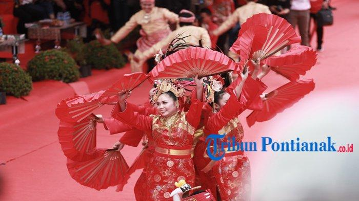 EKSOTISME Tatung Cap Go Meh Singkawang 2020 - Mata Dunia Tertuju ke Kota Seribu Kelenteng, Kota Amoy - tari-pembuka-cap-gomeh-singkawang.jpg