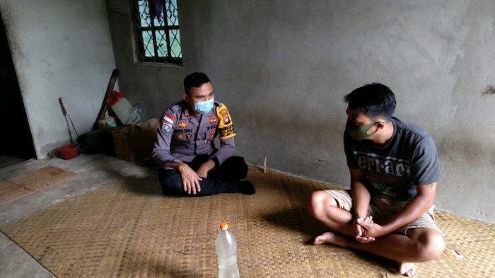 Bertemu dengan Warga di Desa Binaan, Bripka Tatak Budi Cahyono Sampaikan Pesan Kamtibmas