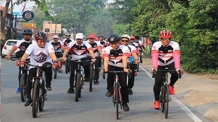 Gerakan Cycling Charity Bike to Care, Serahkan Donasi Dengan Bersepeda 23 KM