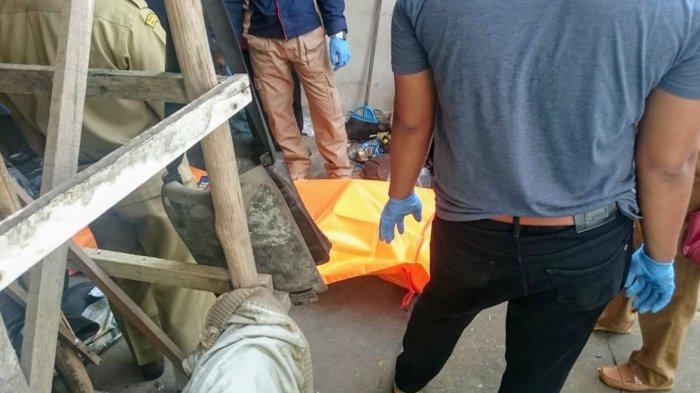 BREAKING NEWS- Heboh! Warga Temukan Mayat di Depan Sekolah Immanuel Parit Baru
