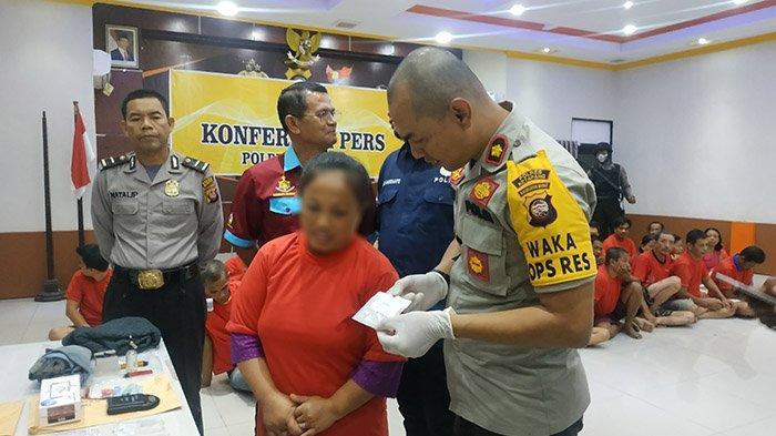 Jual Sabu Hanya Untung Rp 20 Ribu Lalu Ditangkap Polisi, Perempuan 43 Tahun di Ketapang Menyesal