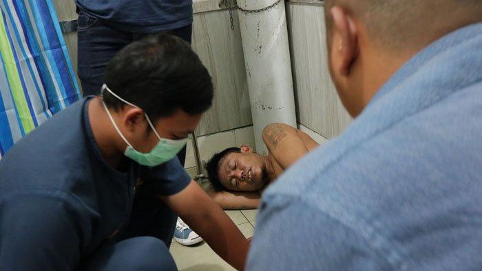 Jatanras Polresta Pontianak Tembak Tersangka Pelaku Jambret Mahasiswi, Lihat Foto-fotonya - tersangka-ditembak_20171130_001339.jpg