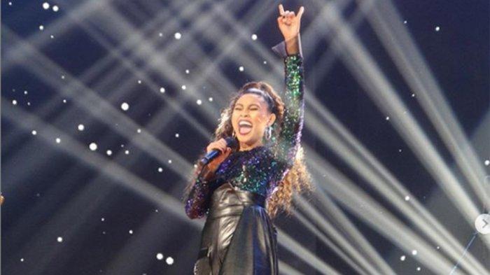 Tersingkir, Novia Sukses Taklukkan Lagu Dangdut 'Judi' di Spektakuler Show Top 8 Indonesian Idol
