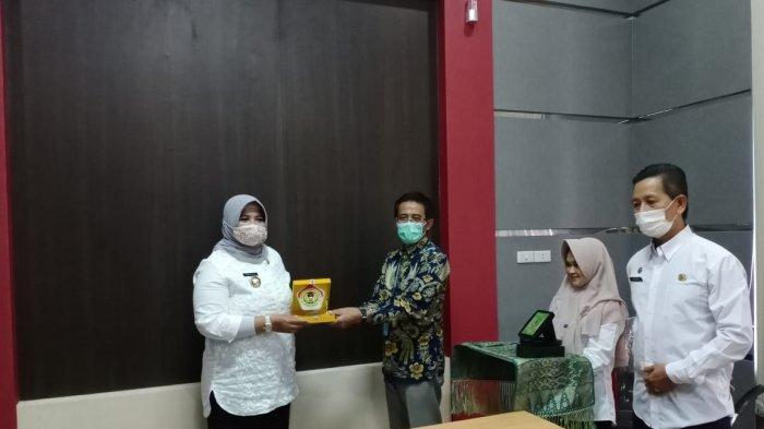 Bahas Beasiswa Mahasiswa, Rektor UPB Pontianak Beserta Jajaran Kunjungi Pemerintah Kabupaten Sambas