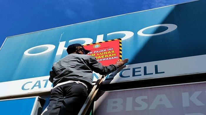 Dalam Rangka Tertib Pajak dan Optimalisasi PAD, BKD Pontianak Tertibkan Reklame Tunggak Pajak