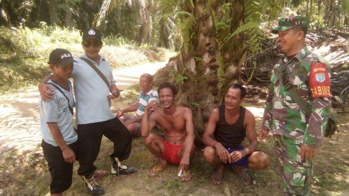 Sertu Yanto Laksanakan Komunikasi Sosial Bersama Warga Bukong