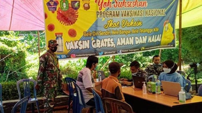 Satgas TMMD Kawal Prokes pada Pelaksanaan Vaksinasi di Kecamatan Kuala Mandor B