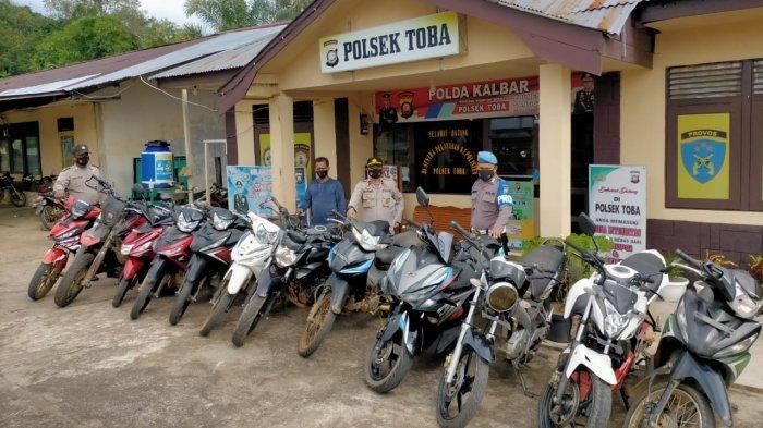 Polsek Toba Sita 11 Sepeda Motor Hasil Kejahatan Residivis Spesialis Curanmor dan Dua Penadah