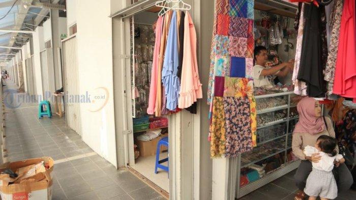 Foto-foto Toko di Lantai Dua Pasar Tengah Tutup, Pernah Diresmikan Presiden Joko Widodo - toko-di-pasar-tengah_20180527_153307.jpg