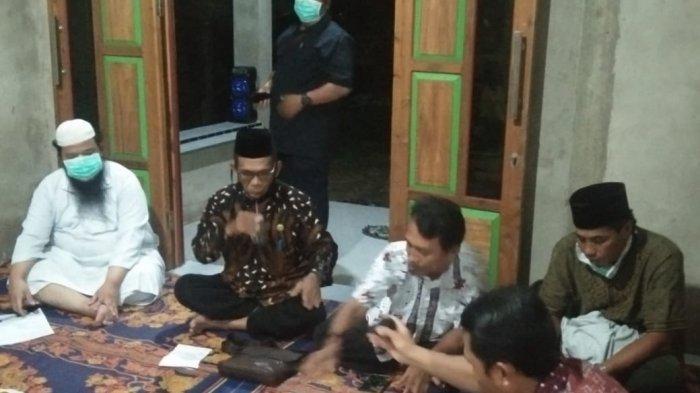 Isi Masa Reses di Empat Desa di Sambas, Tony Kurniadi Serap Aspirasi Masyarakat
