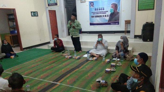 Reses di Tebas Kuala, Tony: Masyarakat Minta Peningkatan Jalan Hingga Perjuangkan Nasib Honorer