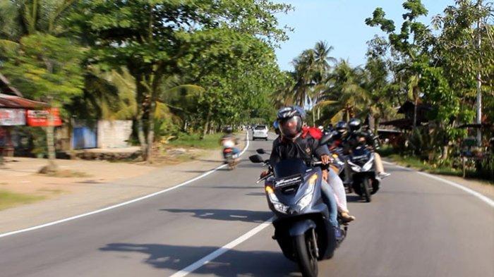 Ngabuburit Ala Anak Komunitas Honda PCX Club Indonesia Chapter Pontianak