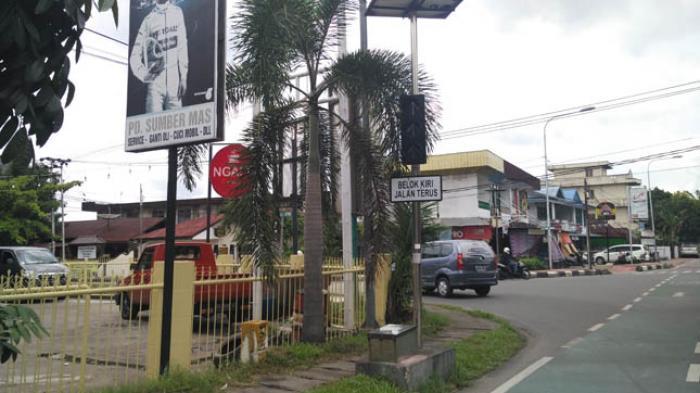 Traffic Light di Simpang Alianyang Hanya Tampilkan Lampu Kuning