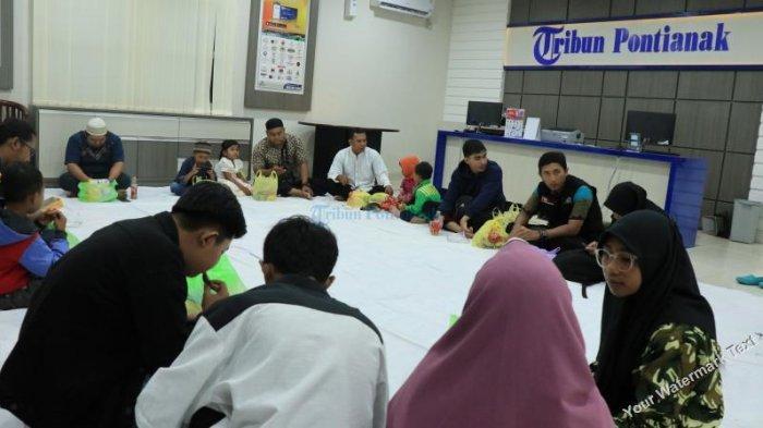 FOTO: Tribun Pontianak Buka Bersama dengan Karyawan, Agen dan Pengasong - tribun-buka-bersama02.jpg