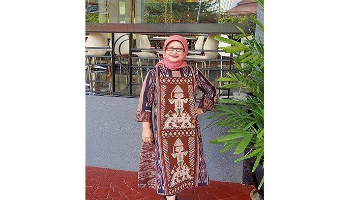 Mengenal Sosok Henny Damaryanti, Dekan Fakultas Hukum UPB Pontianak