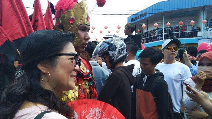Tatung Berbaju Perang jadi Serbuan Wisatawan di Singkawang
