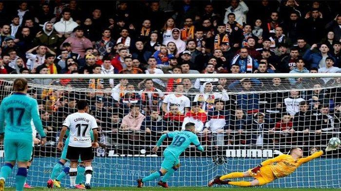 HASIL Valencia vs Barcelona - Ter Stegen Tepis Penalti, Jordi Alba Bikin Gol Bunuh Diri