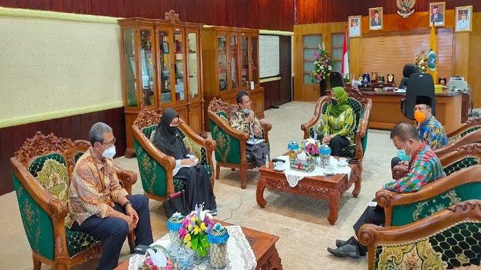 UPB Pontianak Ajak Pemkab Mempawah Kerjasama Lewat Program Satu Desa Satu Sarjana