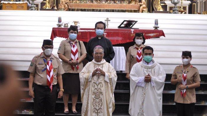 USKUP Agung Pontianak Mgr Agustinus saat usai Tim Kerja Kepramukaan Majelis Pendidikan Katolik Keuskupan Agung Pontianak.