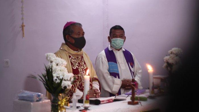 Uskup Agung Pontianak Mgr Agustinus Nostalgia di Paroki St Petrus dan Paulus Sekadau