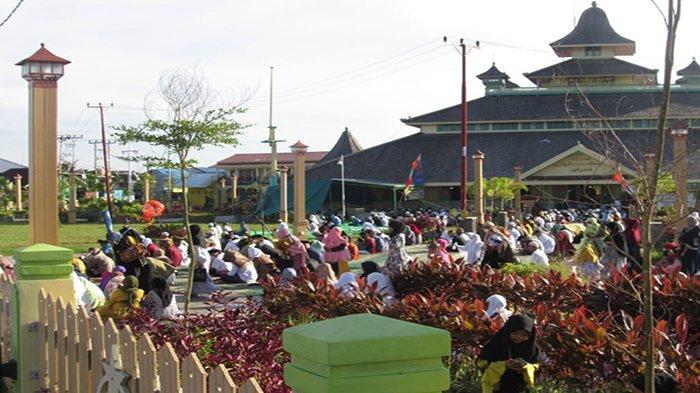Ribuan Jemaah Salat Idulfitri di Masjid Jami, Pengurus Sebut Ikuti Protokol Kesehatan Cegah Covid-19