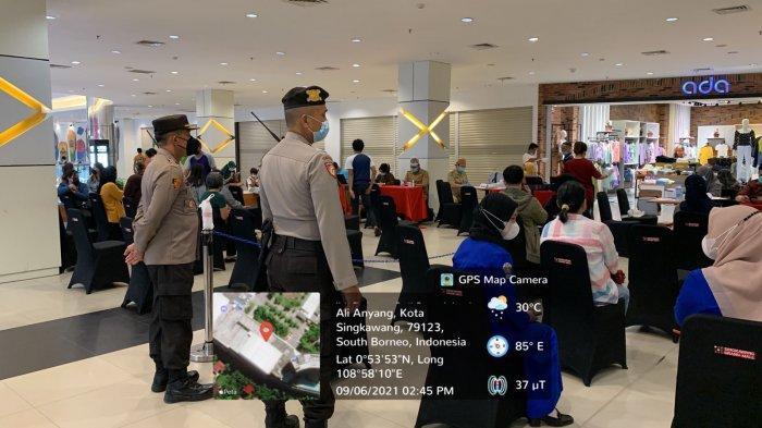 Percepat Target, Ratusan Orang Ikut Vaksinasi di Grand Mall Singkawang