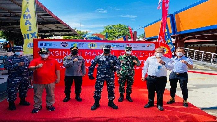 IPC Pontianak Fasilitasi Vaksinasi Massal di Pelabuhan Pontianak - vaksinasi-di-pelabuhan-pontianak-juni-2021.jpg