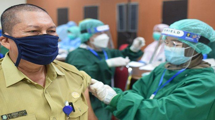 Pemkab Kubu Raya Gelar Vaksinasi Massal, Ribuan Warga Kubu Raya Terima Vaksin Sinovac