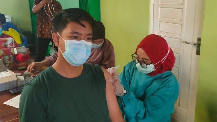 Dukung Program Pemerintah, Polsek Pontianak Barat Gelar Vaksinasi