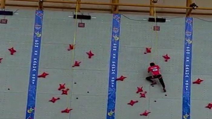 Sempat Terpeleset, Veddriq Atlet Panjang Dinding Kalbar Raih Emas Pertama Kalbar di PON XX Papua