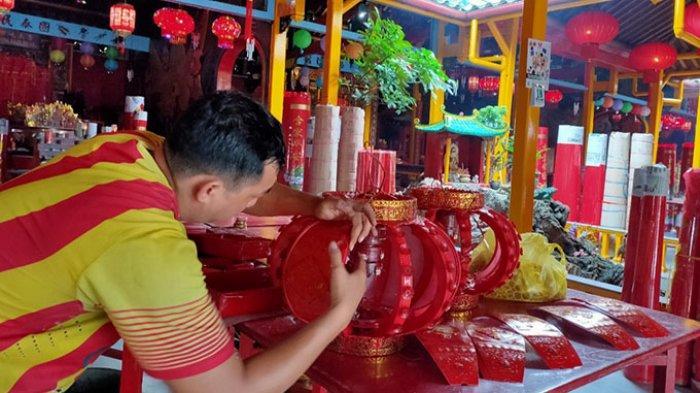 Jelang Perayaan Tahun Baru Imlek, Inilah Persiapan Vihara Bodhisatva Karaniya Metta