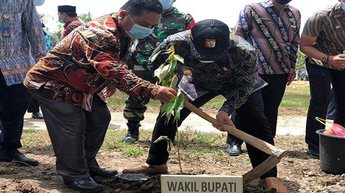 Dukung Penuh Politik Hijau, Wabup Sujiwo Ajak Masyarakat Bersahabat Dengan Alam